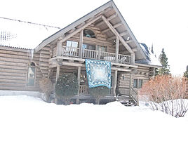 2009-house with quilt.JPG