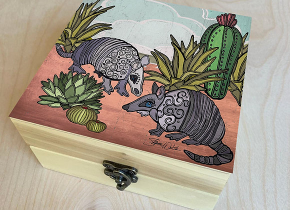 Go West Armadillo Wood Box