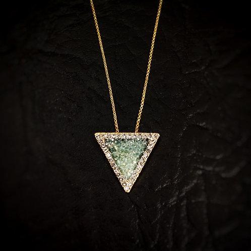 Gargantilla tríangulo con borde de cristales