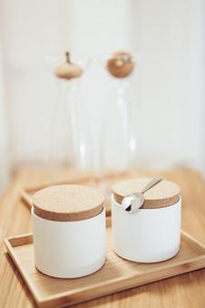 Tee und Kaffee stehen bereit