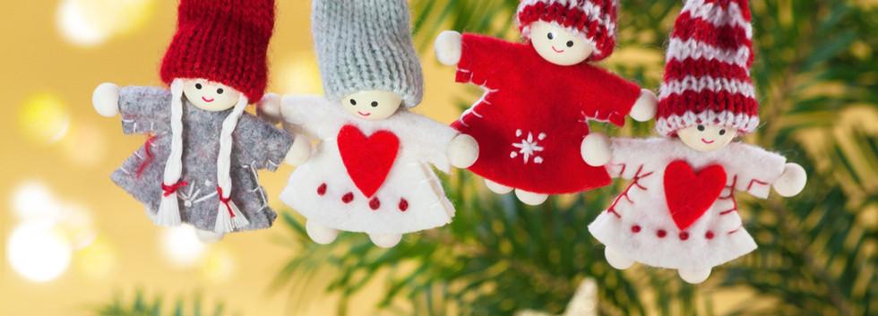 Décorations d'arbre de Noël tricotées