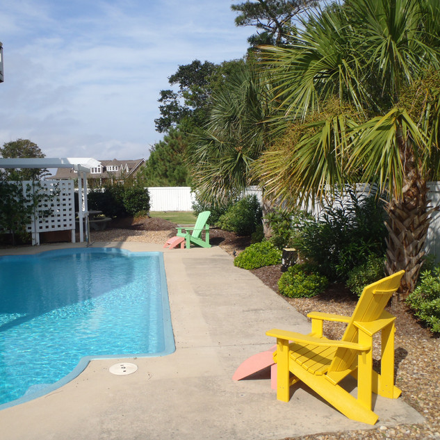 Outer Banks Poolside!