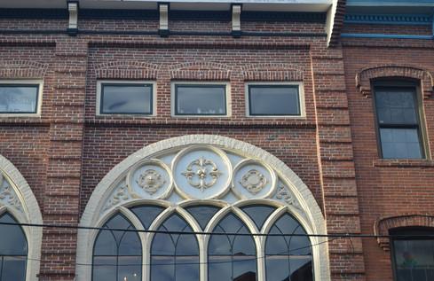 Brick Ivory Deco