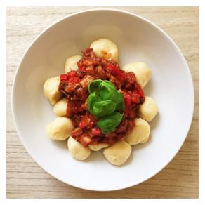 Recette : Gnocchis maison et sauce aux légumes et basilic
