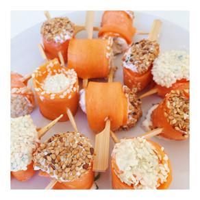Recette : Roulés carotte crue à la ricotta et graines de sésame