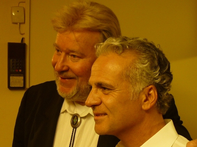 Monty mit Nino de Angelo im Profil