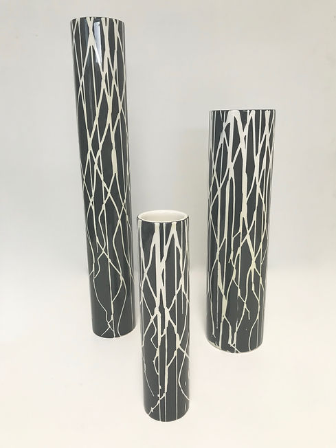 Silhouette Vases-white on black.jpg