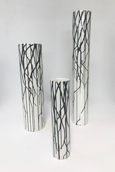 Silhouette Vases-black on white.jpg