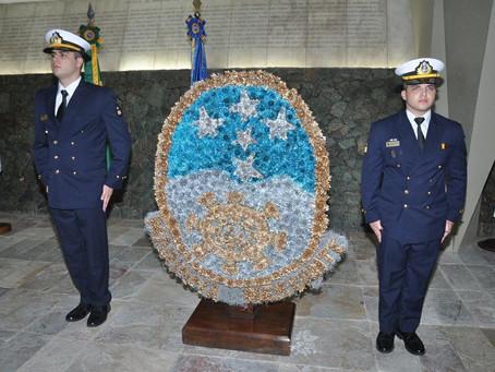 Homenagem à memória dos mortos da Marinha em Guerra