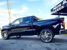 "Chevrolet Silverado on 26"" Massiv wheels"
