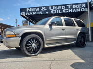 "Dodge Durango on 22"" Massiv wheels"