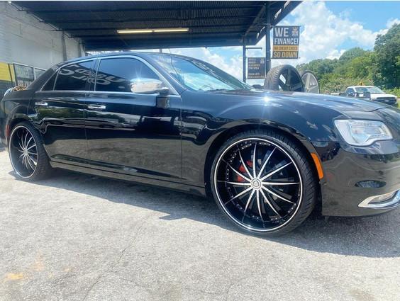 Chrysler 300 on Borghini wheels
