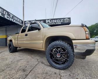 "Chevrolet Silverado on 20"" Hunter Off Ro"