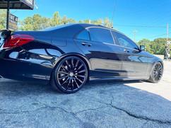 "Mercedes-Benz on 22"" Replica wheels"