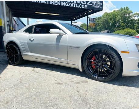 """Chevrolet Camaro on 22"""" Niche wheels"""