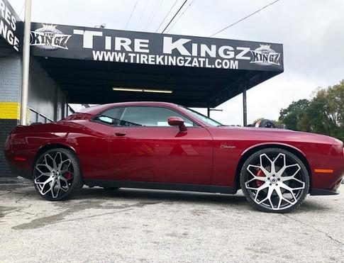 "Dodge Challenger 24"" Borghini wheels"
