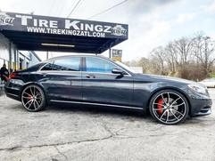 "Mercedes-Benz S550 on 22"" AXE wheels"
