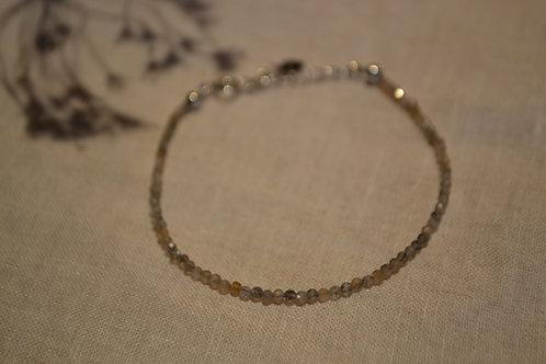 Armband aus Naturstein mit Verschluss