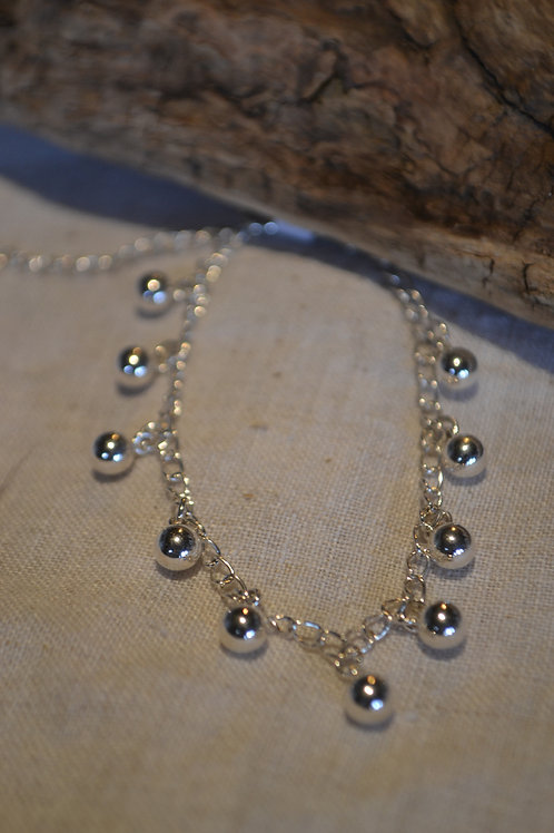 Silberarmband mit Silberkugeln