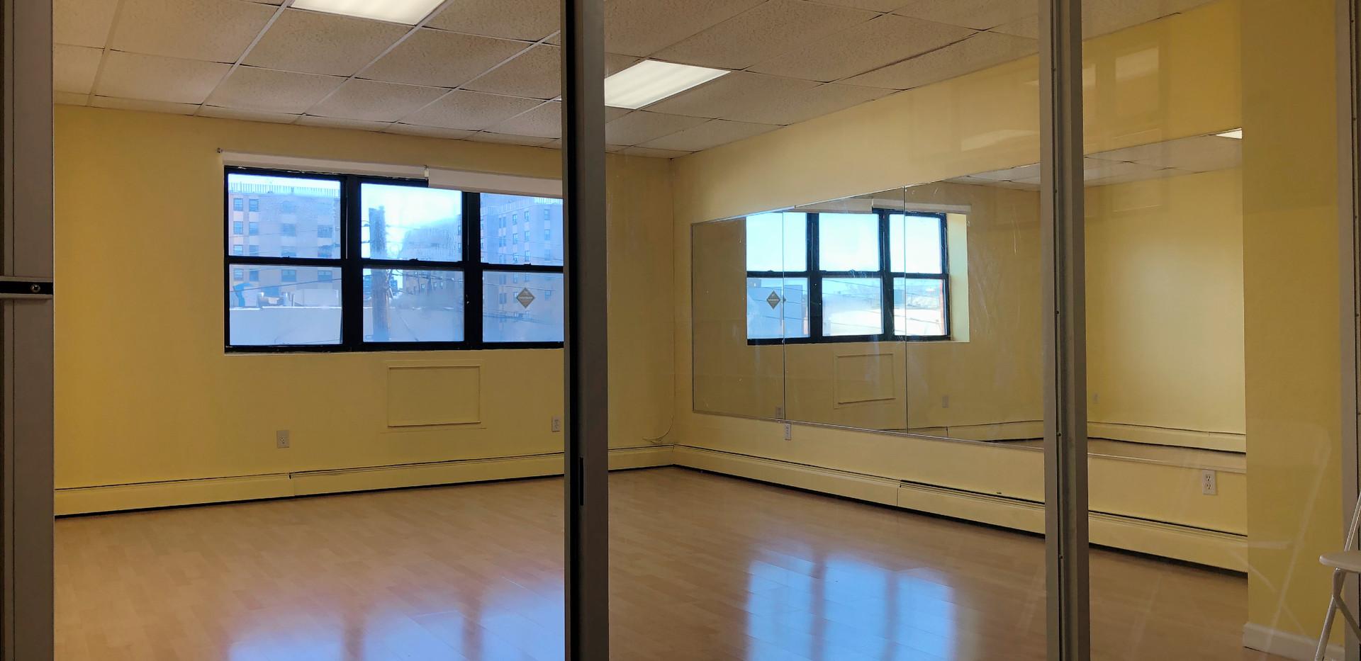 3. Studio B -- 300 sq.ft. 平方尺.jpeg