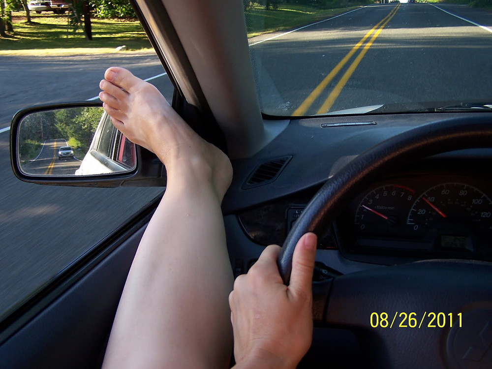 Flexible foot hanging out window, fresh air
