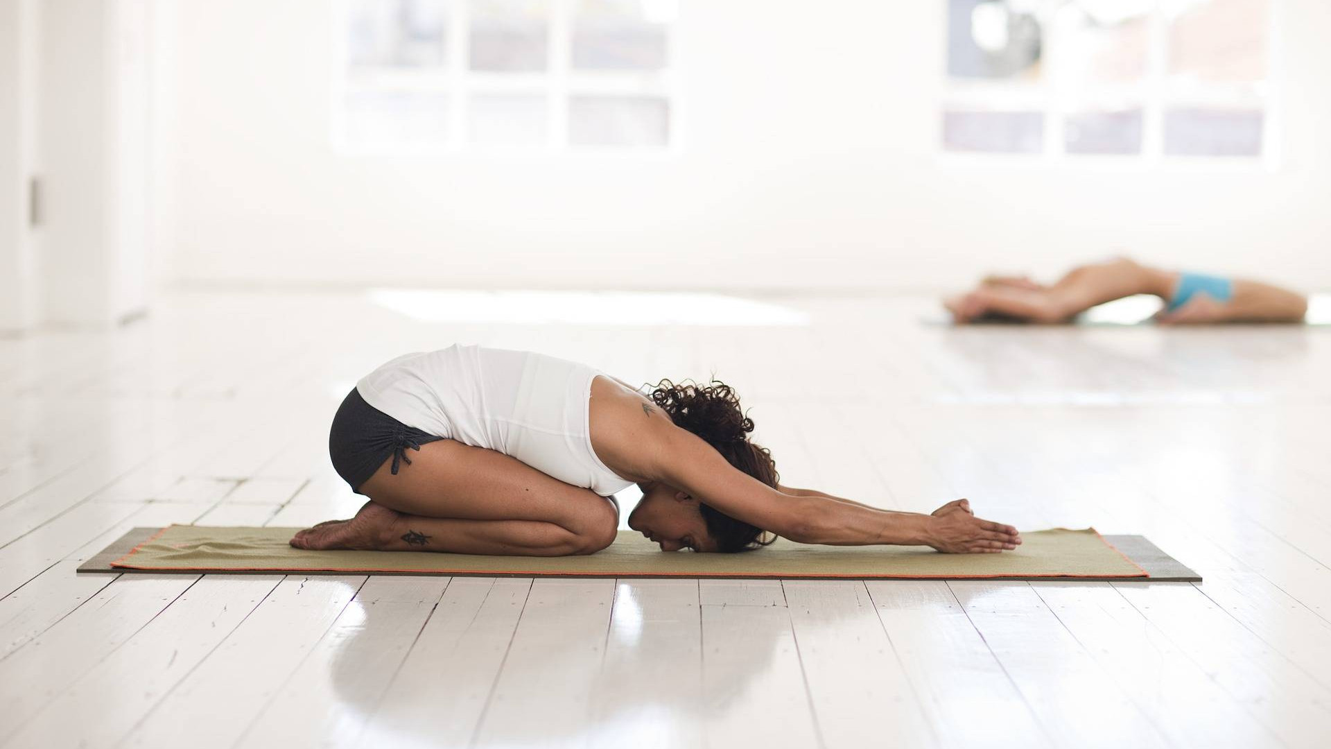 22398802_web1_yoga-2959214_1920.jpg