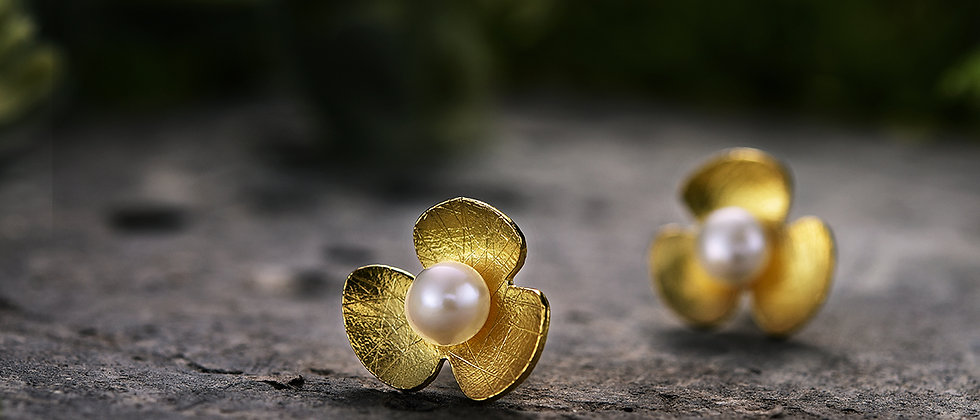 Clover Pearl Earring