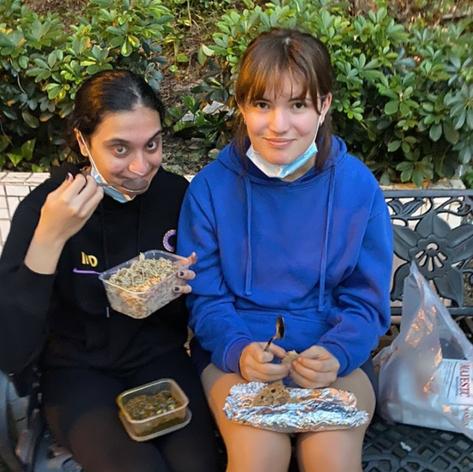 saf feeding us goodddd food :O
