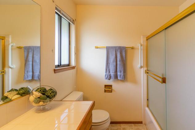 Guest Bath 1 (A).jpg