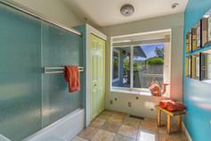 Guest Bathroom 2 (A).jpg
