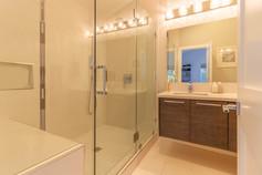 Bathroom 2 (C).jpg