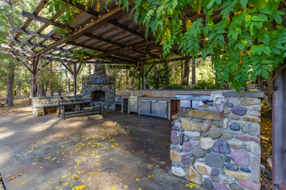 Outdoor Kitchen 1.jpg