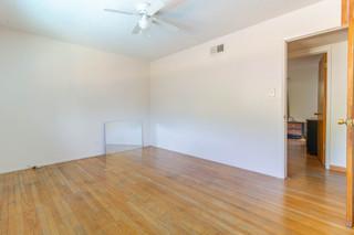 Guest room 2 B.jpg