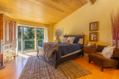 Guest Bedroom 1 (A).jpg