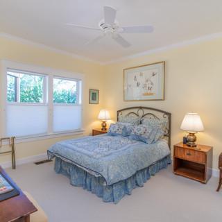 Guest bed 1.jpg
