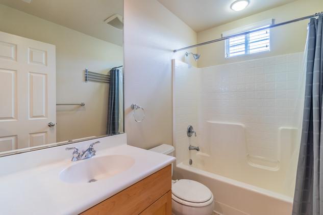 Guest bath 1a.jpg