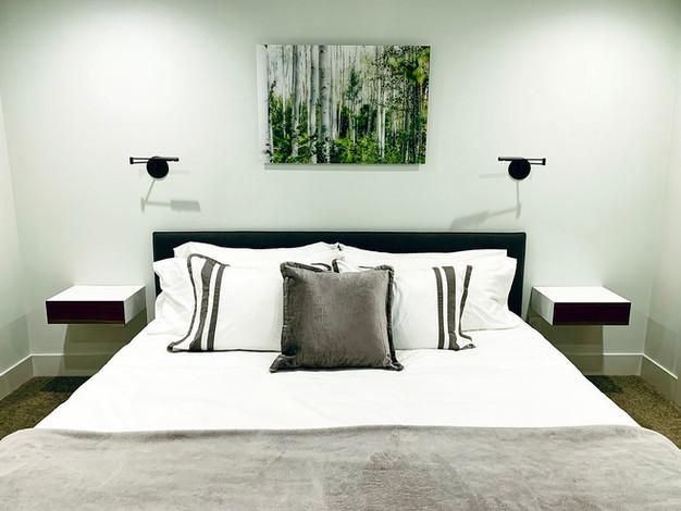 minimalista-hálószoba-bútor.jpg
