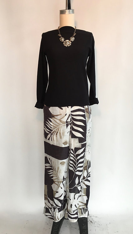 Tropical Print Linen/Cotton Pant with a Gathered Cuff and Side Pockets