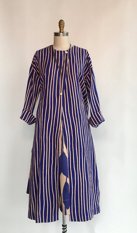 Collarless One Button Duster with Side Slits