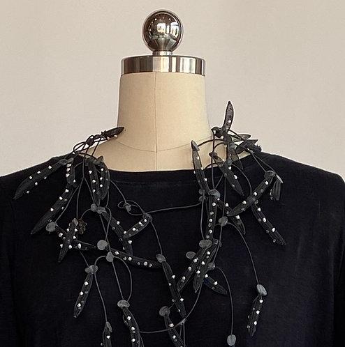 Annemieke Mesh Pedals Necklace