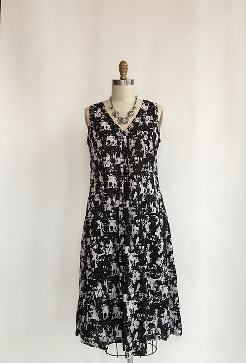Mid-length Sleeveless Cotton Dress with Front Pleat