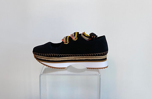Gioseppo Ribbon Laced Shoe