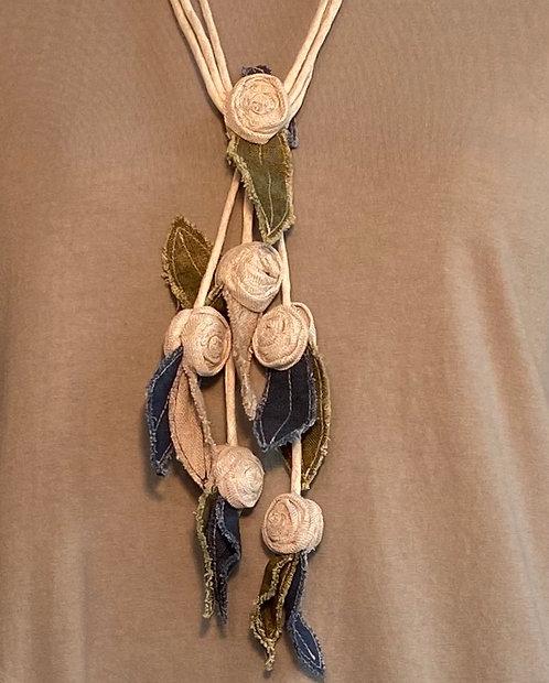 Yuvita Linen Flower Necklace