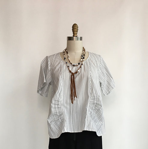 Short Cotton Top with Short Sleeves and Front Placket with Gathered Sides