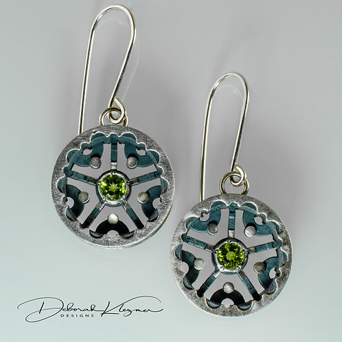 Wheel Shaped Sterling Silver Earring with Faceted Peridot Front View