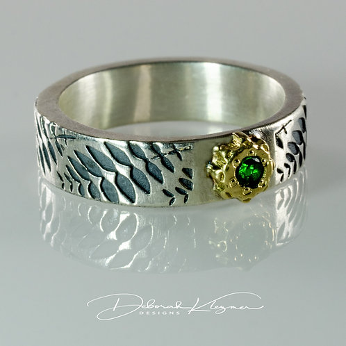 18 Karat Yellow Gold and Sterling Silver Ring with Tsavorite Garnet and Fern Band