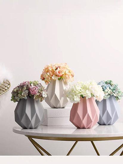 Macaroon Seeds Vase