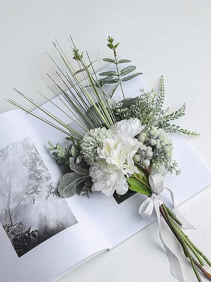 Anderllie Molandise Flowers - Blossom & Eustoma