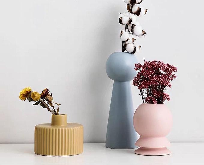 Molandise Sweeney Vase/Ornament