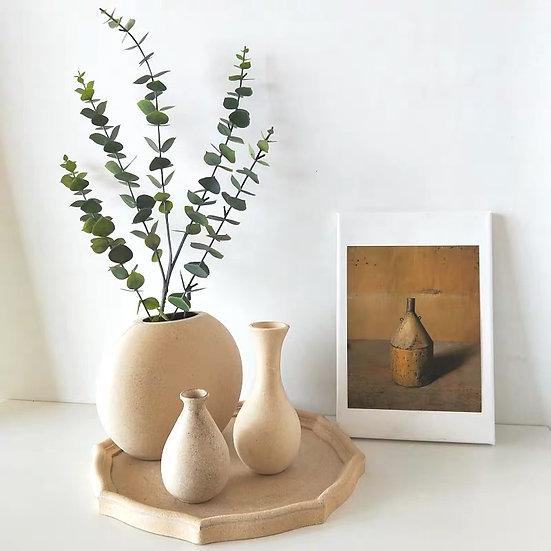 Brehtram Vase